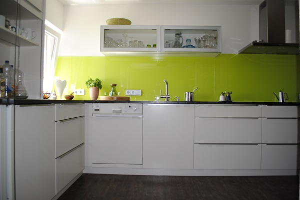Küche eingebaut Frontansicht